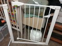 Lindam safety baby gate