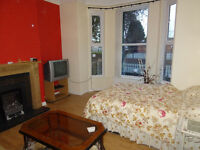 Double room to let in Longsight -all bills included at £375 monthly