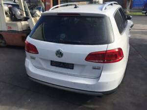 WRECKING A VW PASSAT WAGON 2012 FOR PARTS
