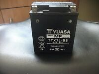 Yuasa motorcycle battery and set of front indicators