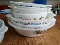 8 x Pyrex bowls