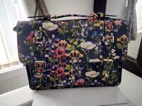 Floral handbag.Accessorize.New.