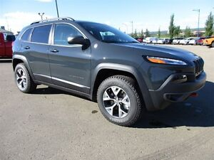 2016 Jeep Cherokee Trailhawk V6 leather / sunroof / nav / traile
