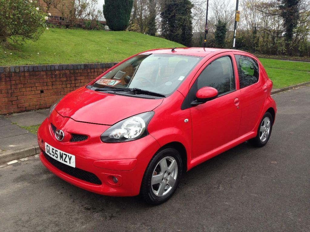toyota aygo 1 o litre sports miles 56 000 old service. Black Bedroom Furniture Sets. Home Design Ideas