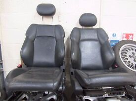 MERCEDES C CLASS W203 2000-2007 FRONT LEFT + RIGHT ELECTRIC LEATHER SEATS