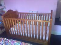 Mama & Papas Baby Crib