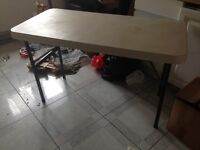 Foldable white table