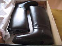 Black riding boots size UK 8 EU 42 UNUSED IN BOX
