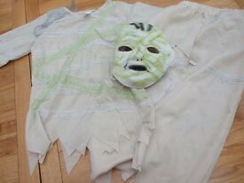 Mummy dress up, top, trousers and mask 5-6 years