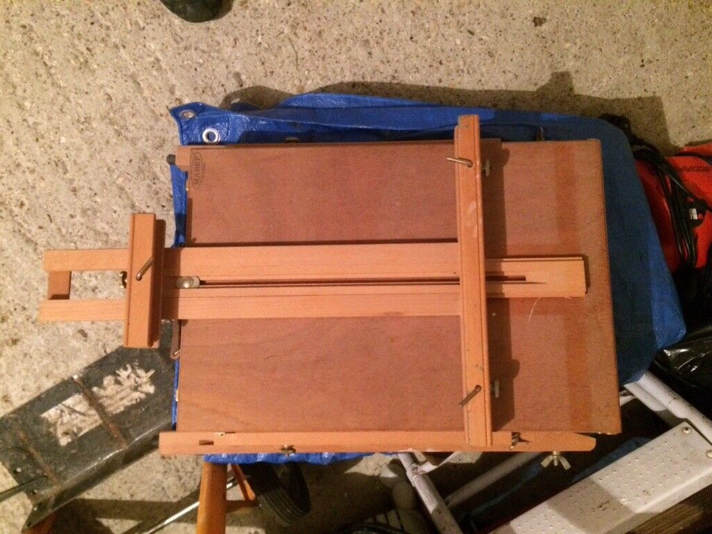 Art Easel and set of new paints