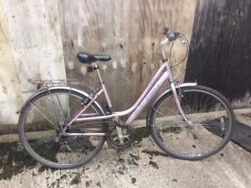 Well maintained Raleigh commuter bike with lights and D-lock