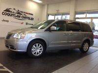 2014 Chrysler Town & Country Touring Local Low KMS Fully Loaded