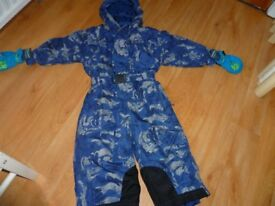 Blue snowsuit aged 18-24 months with Thinsulate gloves