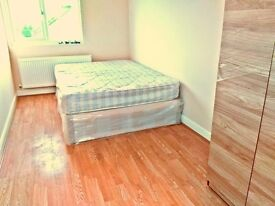 £120pw &125pw 2 X Double rooms available next to Southbury Station ,Couples welcome