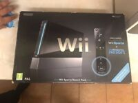 LIMITED EDITION Nintendo Wii Sports Resort Pack with 4 GAMES and with NEW WII MOTION PLUS BUILT IN