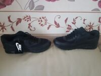 NIKE AIR MAX 90 TRAINERS (Size 9/10/11)