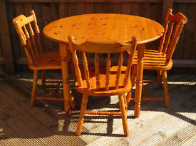 Naturally Aged Pine Kitchen Table (106 cm diameter) & 3 Matching Chairs