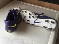 Vintage Men Nike CTR360 football shoe.