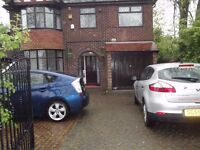Styal road, Stockport 4 bedroom house, 2 off road parking space
