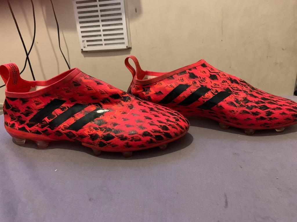 Adidas Glitch Football Boots Outer Skin (Size 9) | in Oval, London | Gumtree