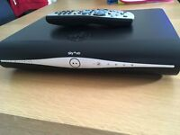 SKY+HD 500GB BUILT IN WI-FI 2 MONTHS OLD