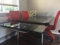 Deluxe dining table set