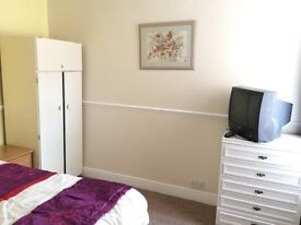 Clean quiet smart double, NO Council tax / fees, parking- in just renovated clean smart house, £105