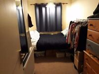 Cosy double room in town centre house