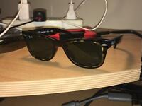 Ray Ban original wayfarer sunglasses /tortoise/crystal green