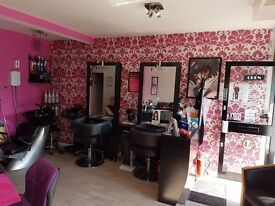 Hair Stylist wanted for busy salon in Birkenshaw