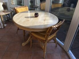 Light wood round table & chairs