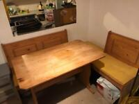 Corner table bench and chairs Pine