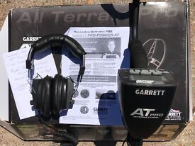 Garret AT Pro Metal Detector 2016. Excellent condition, hardly used.