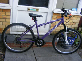 """LADIES 26"""" WHEEL BIKE 17"""" FRAME IN GREAT WORKING ORDER WITH FITTED LIGHTS"""