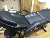 BEAUTY COUCH / MASSAGE BED FOR SALE ALMOST NEW