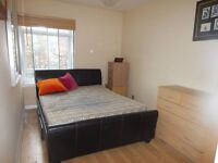 Double room in South Wimbledon. Available 30/11