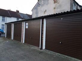 Garages to rent: Raphael Road, Gravesend DA12 2PN - ideal for storage