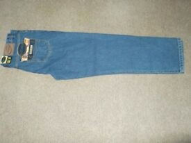 mens jeans good quality brand new with lables the brand is blue circle