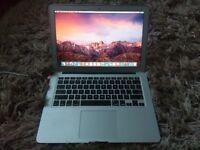 "Macbook Air 13"" 4GB i5"