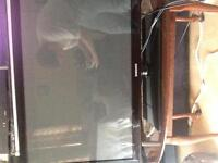 I am selling my 2 HDTV,S