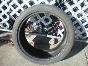 1 Dunlop SP Sport Maxx R01 Tires * 295 35R21 107Y * $30.00 .  M+S / All Season Tire ( used tire)