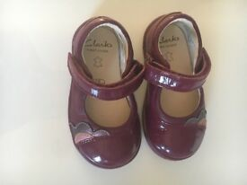 Clarks First Shoes - Size 4G