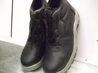 Mens black Chukka safety work boots size 9 New