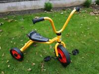 Winther child's scooter trike trickle