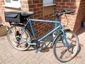 Mans bicycle with 12 shimano gears, size22""