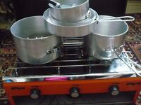 CAMPING COOKER 2 BURNER AND GRILL.