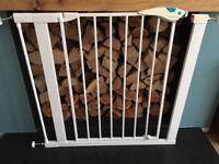 Pressure fit Lindam stairgate (wide)