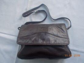 Ladies Brown leather Tula shoulder bag