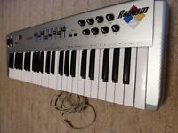 M AUDIO KEYBOARD WITH ORIGINAL LEAD..