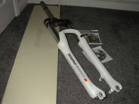 Suntour XCR forks LO lock out 120mm travel - White